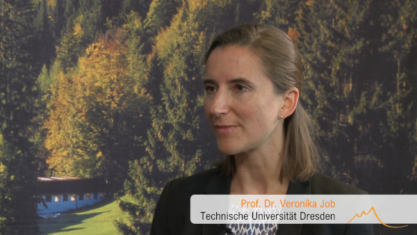 Prof. Veronika Job als Referntin bei den Stillachhaus-Campus Symposien